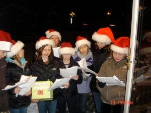 Christmas-Caroling-005